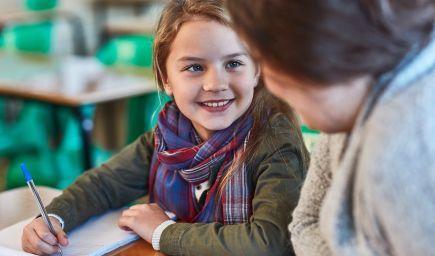 Nemusíme voliť medzi výsledkami detí a ich šťastím. Stačí, ak zmeníme v triedach náš prístup
