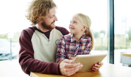 Nechcete, aby vaše dieťa verilo všetkému, čo vidí a počuje? Učte ho myslieť kriticky