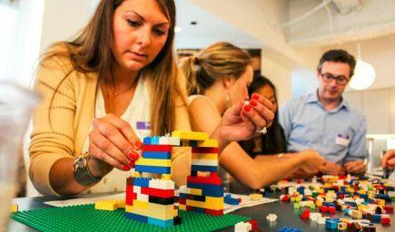 Ako nasledovanie inštrukcii brzdí našu kreativitu ukázalo vedcom Lego