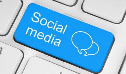 Rozdiely medzi reálnou a virtuálnou komunikáciou