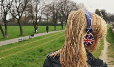 Študenti, ktorí chcú študovať v Spojenom kráľovstve, môžu čoskoro požiadať o víza