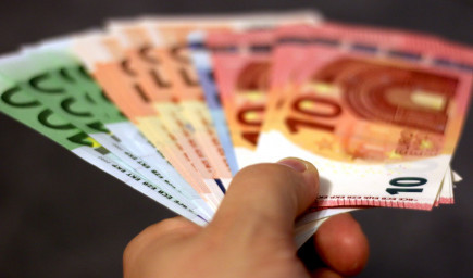 B. Gröhling: Učitelia uvidia odmeny v januárovej výplate za december