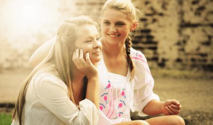 Priatelia môžu tínedžerom pomôcť viac ako rodičia
