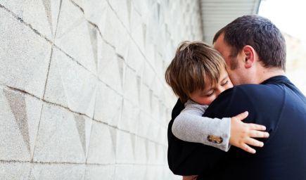 Pevné rodičovské puto pomáha deťom v nadväzovaní vzťahov