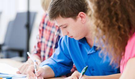 Stredoškoláci môžu získať sociálne štipendium vo výške 48 eur mesačne