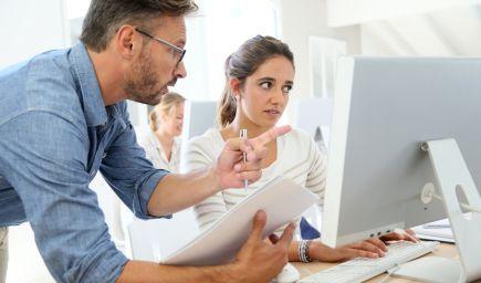 Ako môže učiteľ žiaka chváliť a kritizovať lepšie?