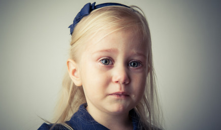 Priveľká kritika berie deťom schopnosť rozumieť ľuďom
