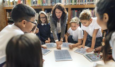 Ako by sa mali učitelia pýtať, aby sa deti učili počas hodiny čo najviac?