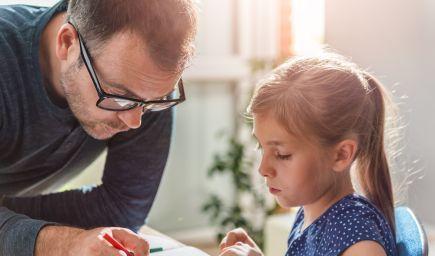 Priveľmi prísna výchova známky v škole nezlepší