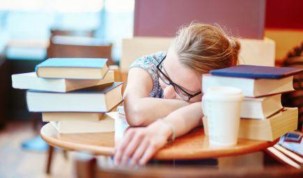Bifľujete sa pred skúškou? Zdriemnutie môže byť pre vás ďaleko lepšie, tvrdia vedci