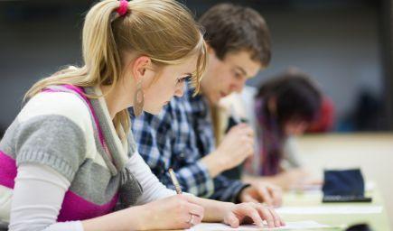 Budúcich študentov duálneho vzdelávania láka platená prax a istota zamestnania