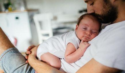 Chlapci potrebujú emocionálnu podporu rodičov intenzívnejšie ako dievčatá, hoci si myslíme niečo iné