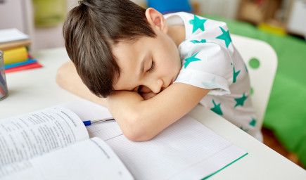 Má vaše dieťa zlé známky? Možno je nesústredené, nervózne alebo zábudlivé