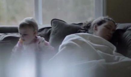 VIDEO: Pssst, mamička spí