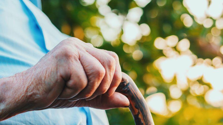 Dôstojnejší život na dôchodku by mohlo zabezpečiť viac možností dobrovoľného sporenia