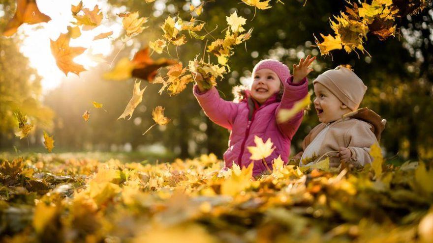 15 lacných jesenných aktivít, ktoré môžete robiť s deťmi