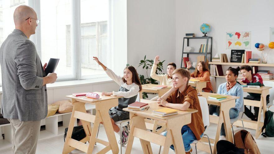 Tvorivé a  zábavné aktivity, ktoré pomáhajú  žiakom pri opakovaní učiva