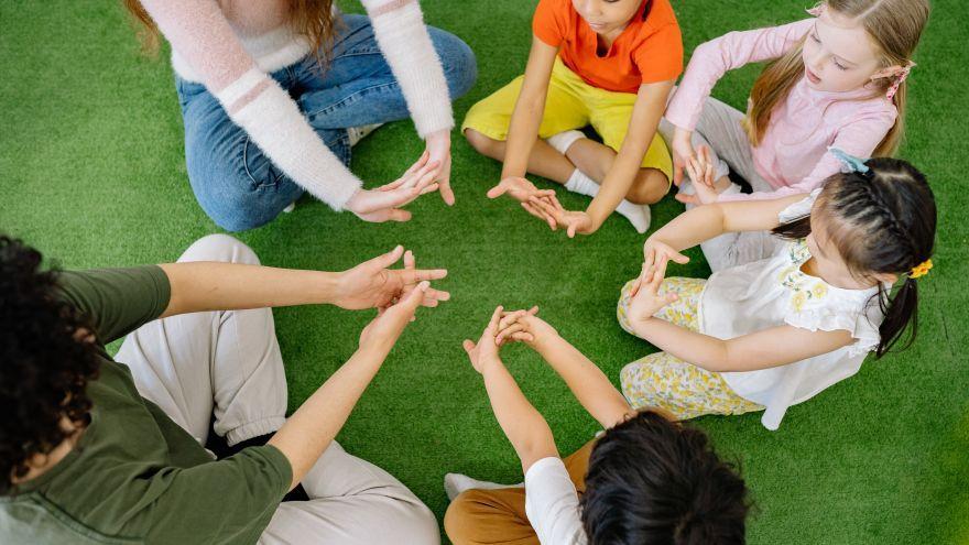 5 tipov, ako podporiť tímovú prácu u detí v predškolskom veku
