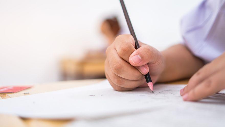 Piataci píšu testovanie, preverí ich znalosti z matematiky a vyučovacieho jazyka