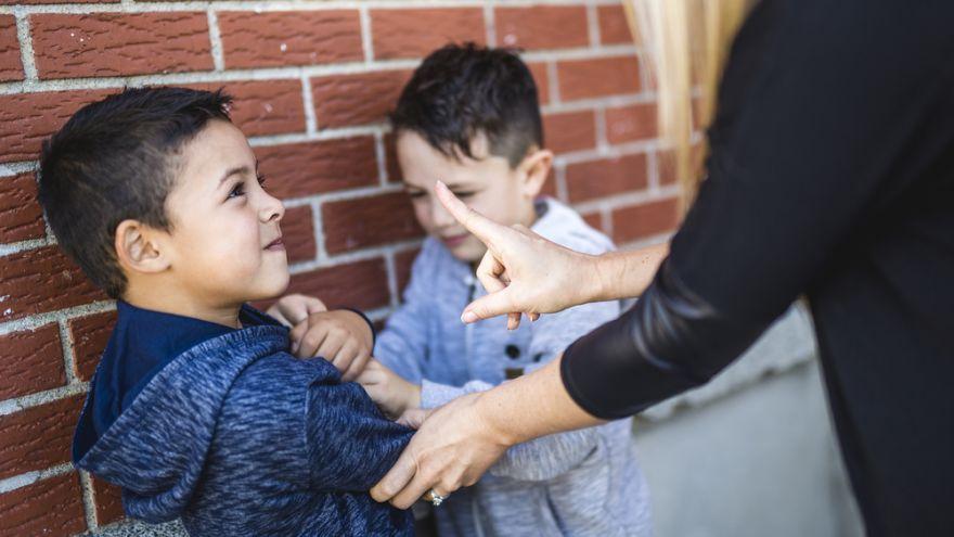 Ako by mala pri šikanovaní škola postupovať?