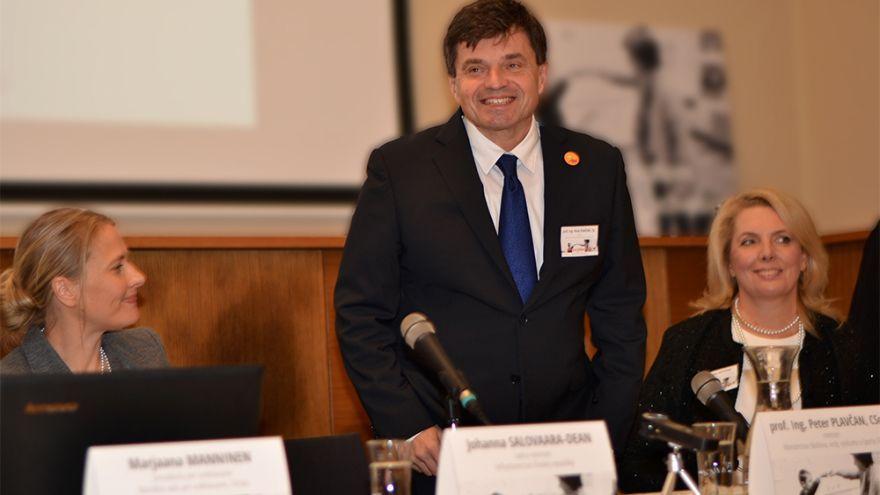 Na konfrenciu Škola s rešpektom zavítal aj minister školstva Peter Plavčan