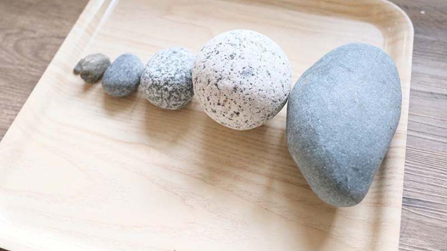porovnávanie veľkostí kameňov. Foto: Miraculove.com