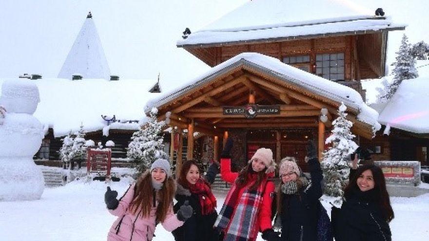 Študentky počas pobytu vo Fínsku navštívili aj Laponsko.