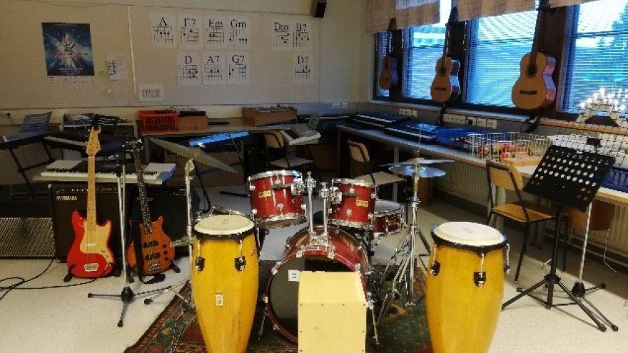Hudobná učebňa vo fínskej škole