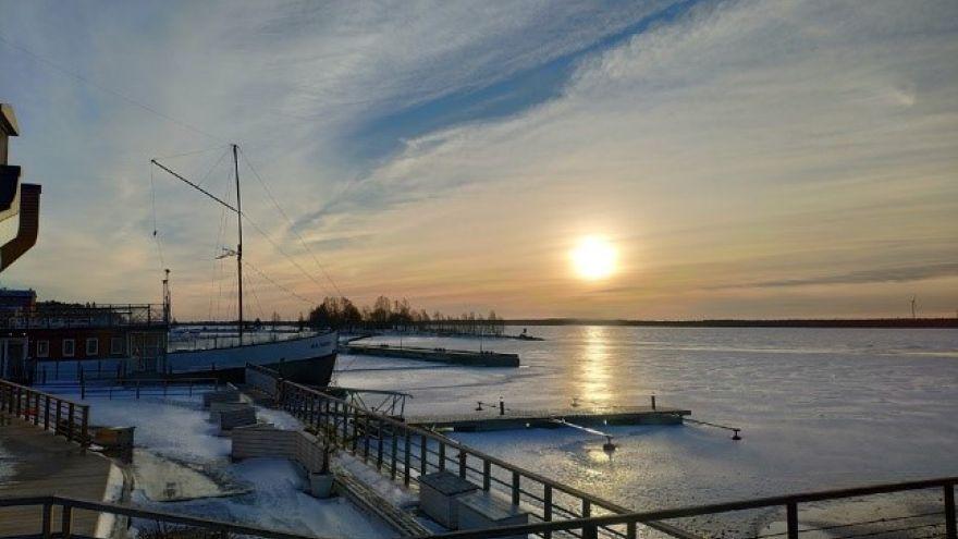 Zamrznutý prístav v meste Vaasa