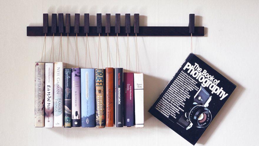 Kreatívna knižnica ako vešiak