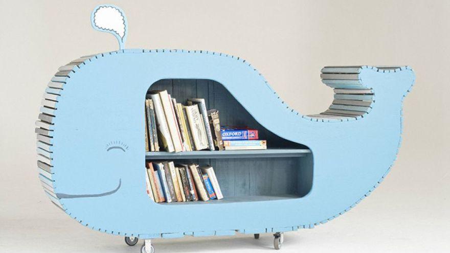 Kreatívna knižnica v tvare veľryby