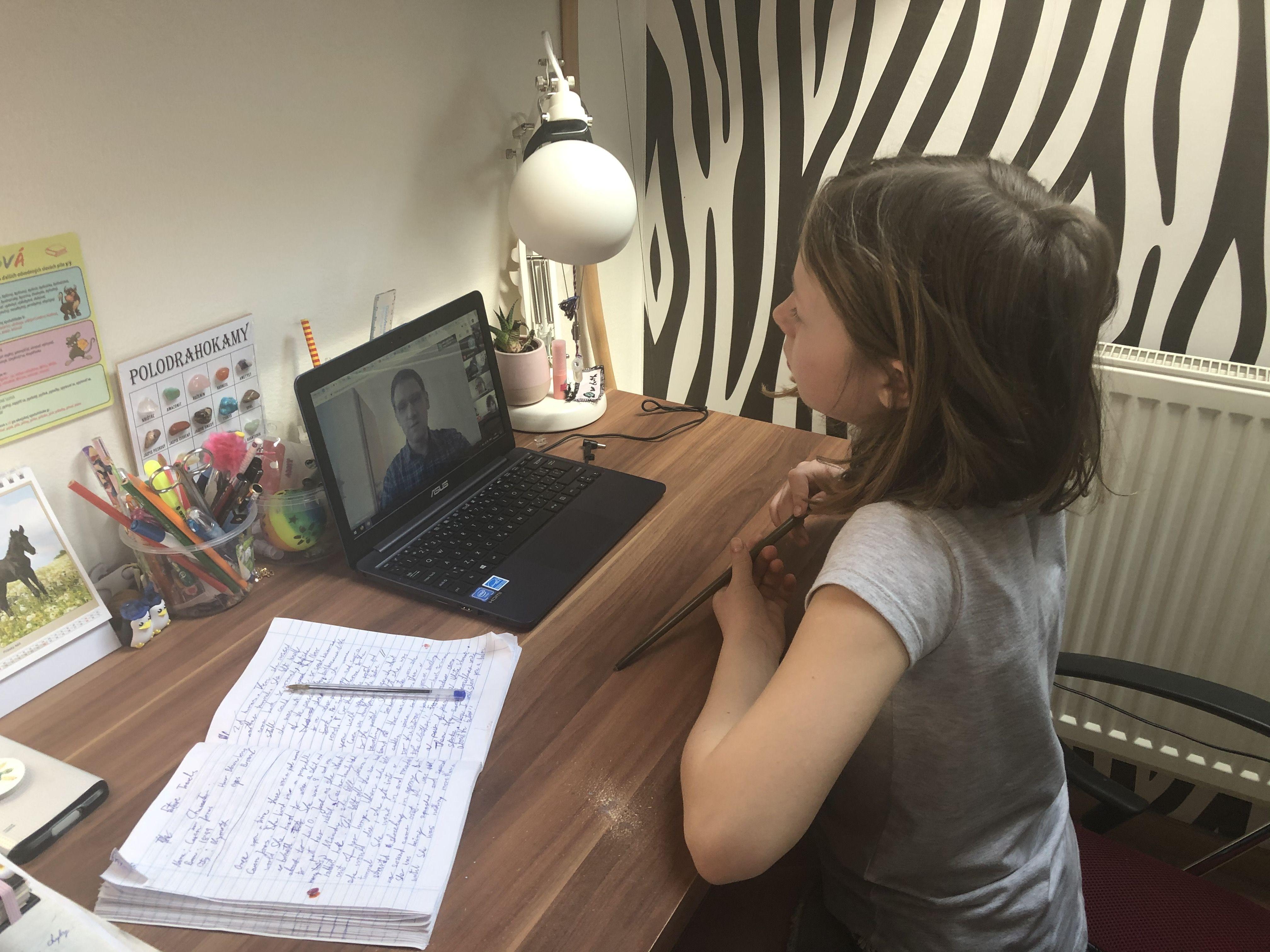 Riaditeľka bratislavskej škôlky a školy: Dnešné online vyučovanie sa môže stať našou realitou opakovane a treba sa na to pripraviť