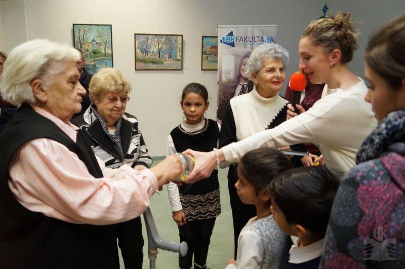 Edukačný projekt zblížil deti z detského domova so seniormi